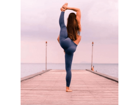 c9bb1eef451a1 Yoga Outfits   Activewear Looks