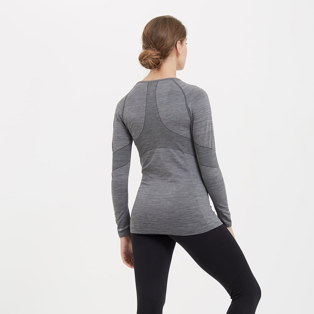 A soft jersey knit is super comfy and falls perfectly over the body. Smooth, breathable and easy to care for, this fabric looks good wash after wash. 28